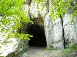 jaskinia w straszykowej gorze